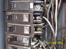 Incorrect wiring in electrical panel - Kitchener Home Inspector